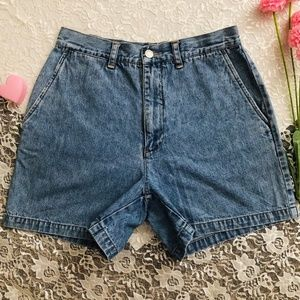 90s 00s VTG HIGH WAISTED PLEATED JEAN SHORTS